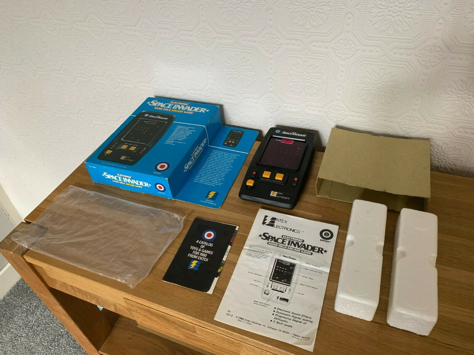 Superb Boxed Entex Space Invader Vintage 1980 Handheld Electronic Game Near Mint