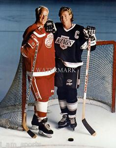 WAYNE GRETZKY LA KINGS GORDIE HOWE RED WINGS HOCKEY LEGENDS 8x10 PHOTO Hockey-NHL