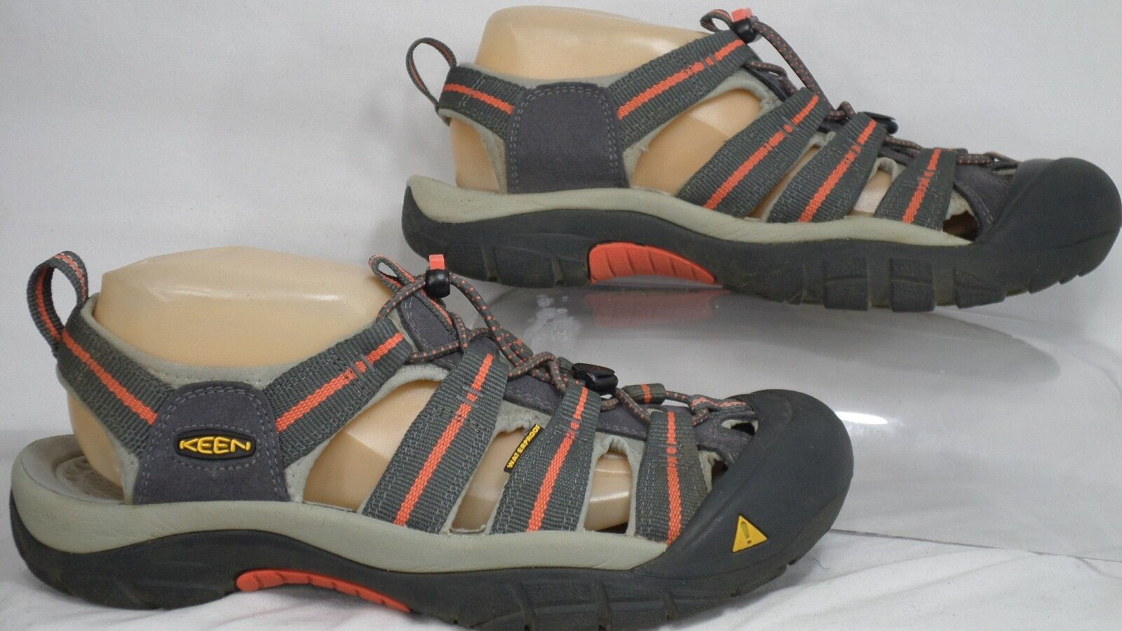 KEEN 1010955 'Newport H2' Magnet Hot Coral Closed-Toe Sandal Women Size 9.5 M