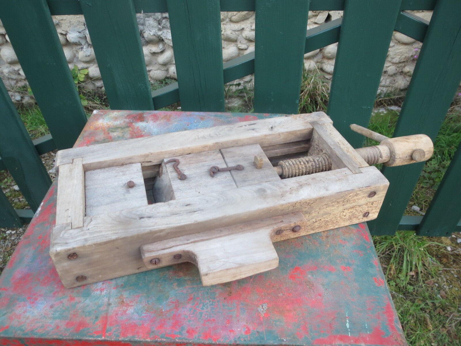 Ancien serre joints filetage en bois , outil de métier : ébéniste a definir
