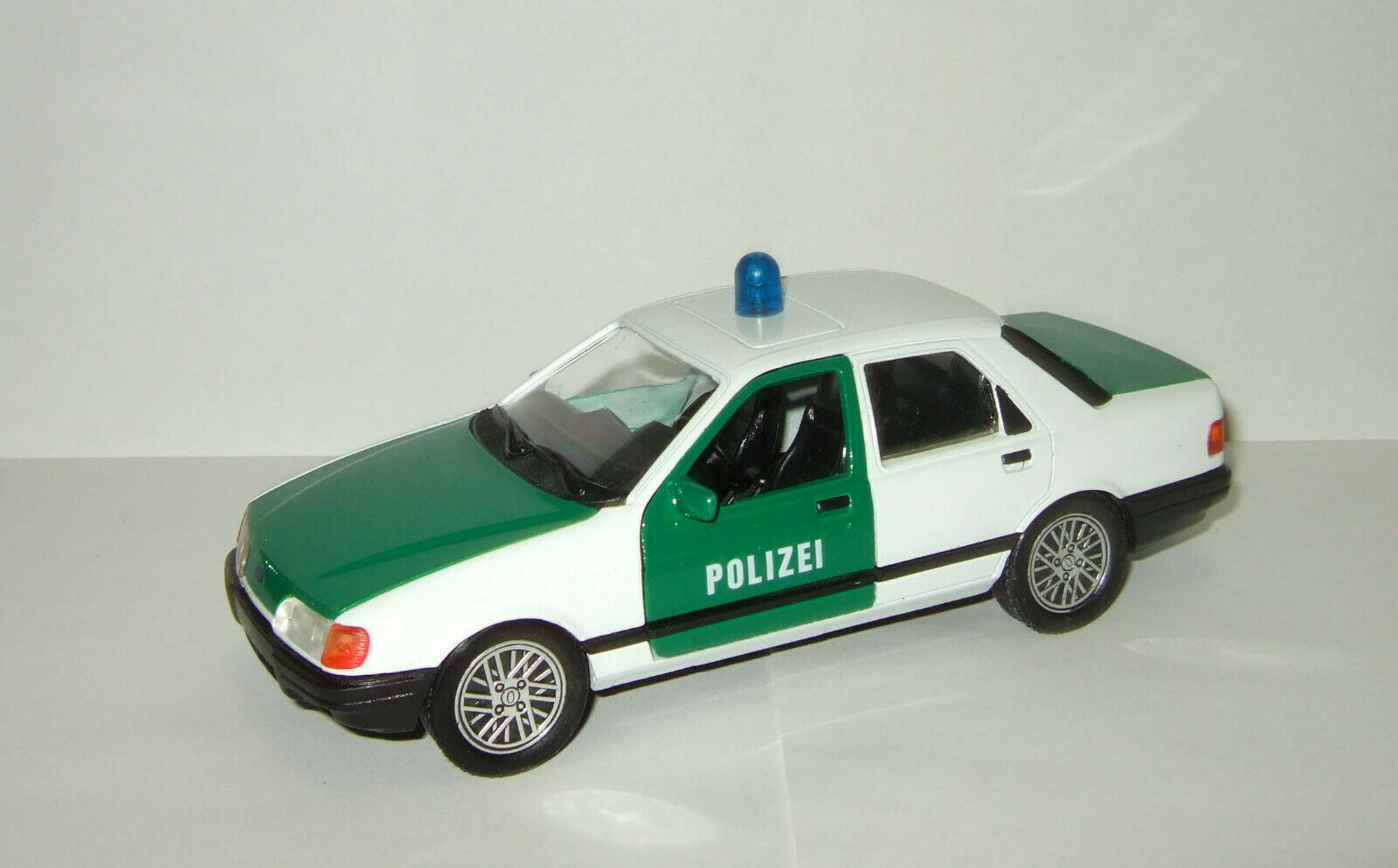 1 24 Schabak Ford Sierra Police Polizei 1982 limousine Made in Germany Rare