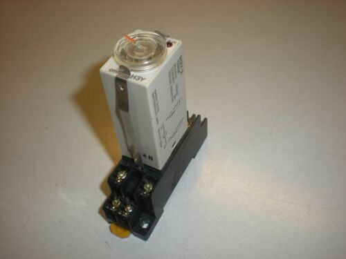 Omron Model H3Y Time Delay Relay with 2-M4X10 Socket and retainers Tests OK