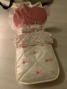 Vintage-Barbie-Glamour-Bed-Mattel