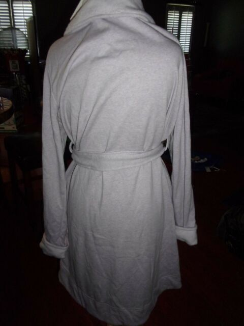 c84c8c8f3f UGG BRAND Women s W Blanche Purple Plush Bathrobe Spa Robe XL. +.   72.99Brand New. Free Shipping. Add to Cart. Womens Medium Lipstick Red UGG  Australia ...
