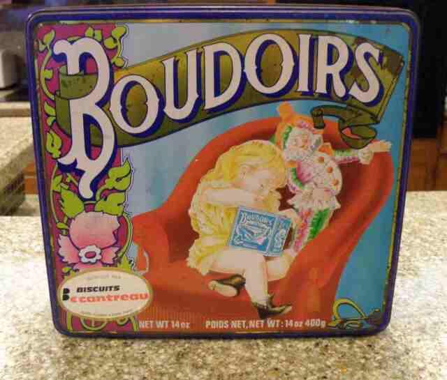 "Vintage "" BOUDOIRS"" Sponge Finger/Lady Finger Tin French Made Nice Graphics"