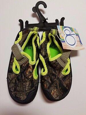 Camo Aqua Socks Beach Swimming 5-6 Ocean Pacific Water Socks SIZE CHILD SMALL