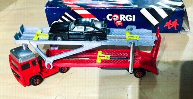 Corgi Autos x 18 and Dinky Autos x 5 matchBox x 1 job Masse