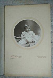 PHOTO-ANCIENNE-VINTAGE-SNAPSHOT-ENFANT-BEBE