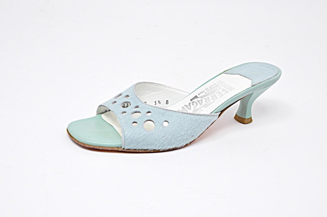 Salvatore FERRAGAMO Collection Aqua Cowhide Perforated Kitten Heel Slides Sz 5.5