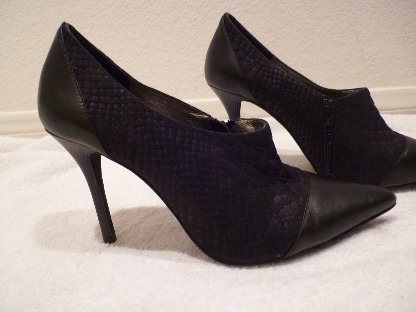 JEFFREY CAMPBELL vintage pointed black closed heel SZ 8.5-new returns