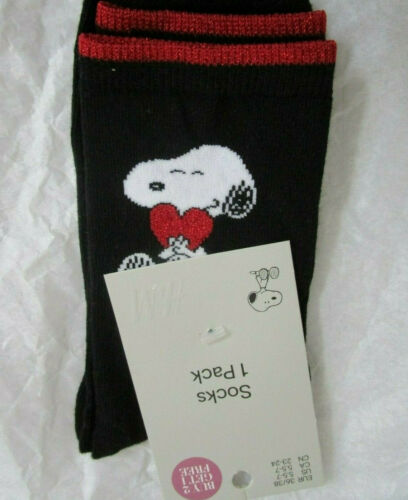Snoopy Heart Love Themed Socks Black  x HM Peanuts Size 5.5-7  *new*