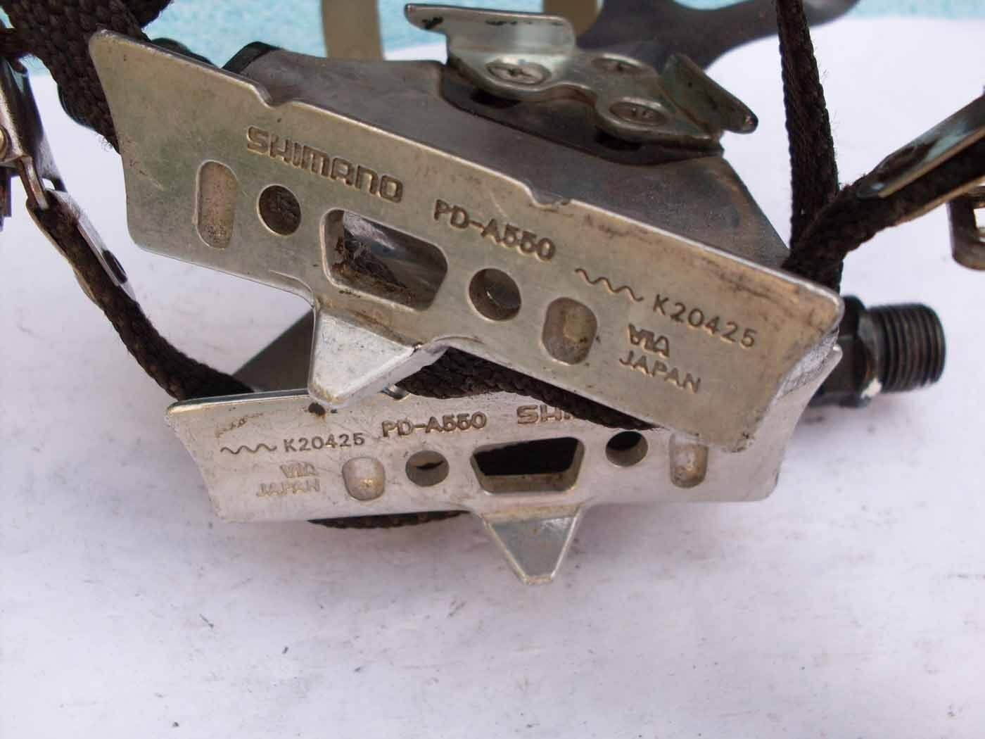 Used road vintage bicycle pedals christophe Shimano 105 PD1055 straps and clips