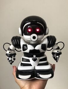Electronic, Battery & Wind-up Toys & Hobbies Frank 2005 Wowwee Robosapien Junior Talking Singing Moving Robot Toy 22cmtall Works Fancy Colours