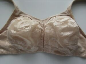 Wacoal 856167 Awareness Padded 36D Bra Embroidered Floral