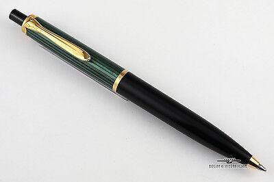 Pelikan Souveran K400 Green Striped Ballpoint Pen