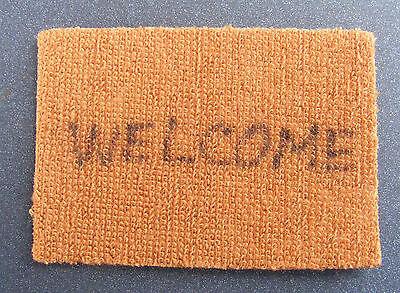 Benvenuto In Scala 1:12 In Tessuto Porta Hall Tappetino Tumdee Casa Delle Bambole Tappeto Miniatura-mostra Il Titolo Originale