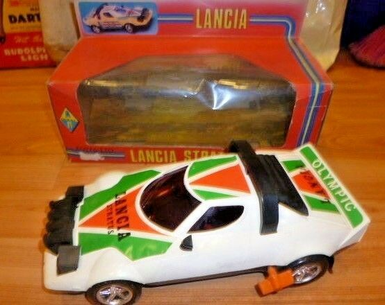 Vintage Rare grec Wind-Up LANCIA STRATOS RALLYE par A.P Toys Comme neuf IN BOX