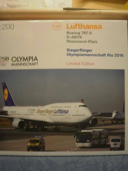 Herpa Wings 1 200 Boeing 747-8 Lufthansa Intercontinent Siegerflieger Olympia