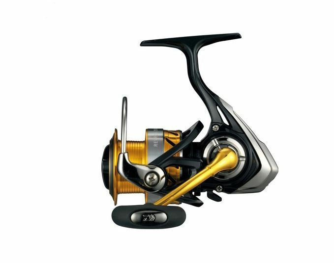 15 REVROS - - - A Spinning Fishing Reel 2500 1842b7