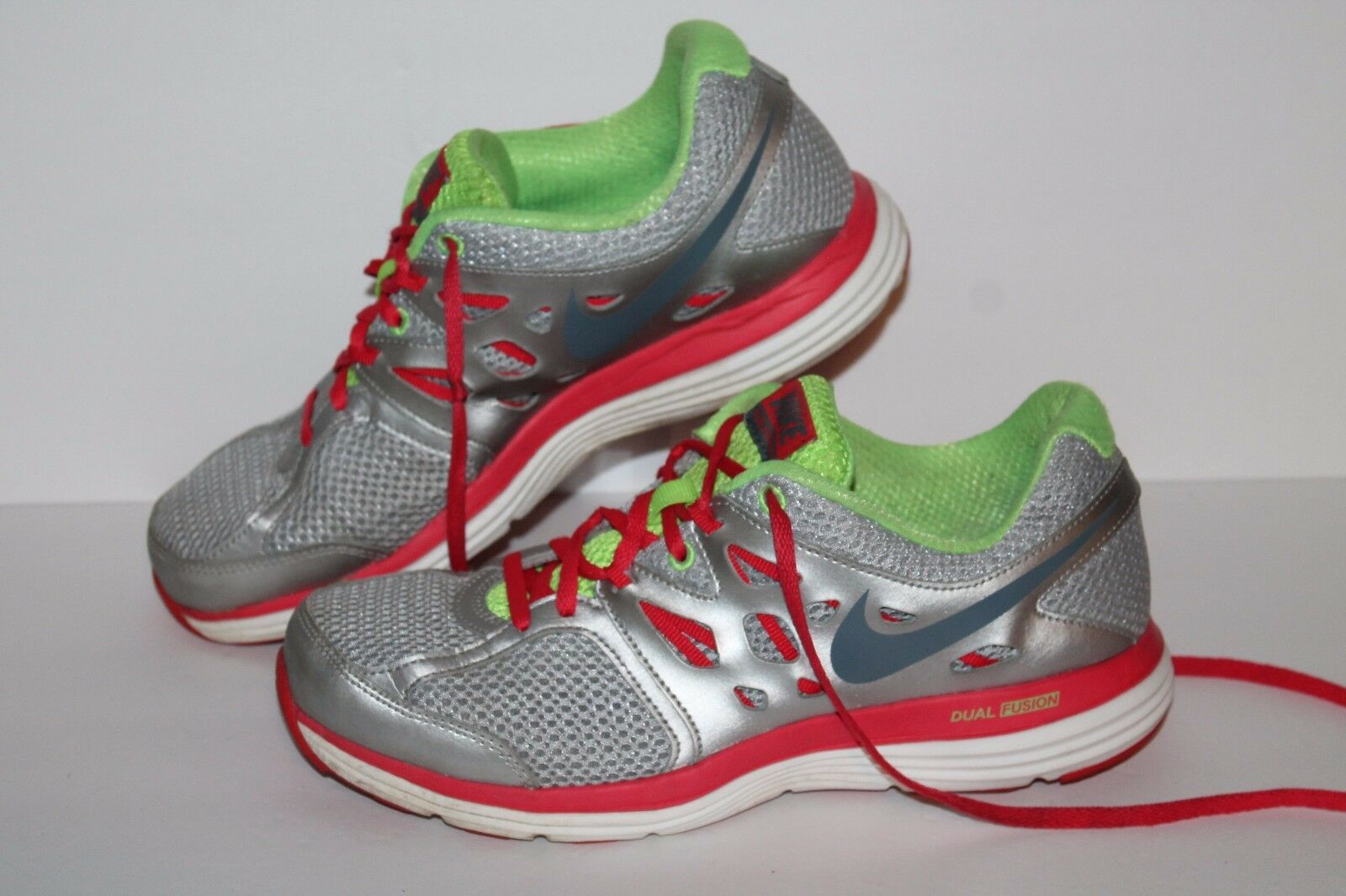 Nike Dual Fusion Lite Running 8.5 Shoes, Silver/Pink/Lime, Women's 8.5 Running 5d4e8c