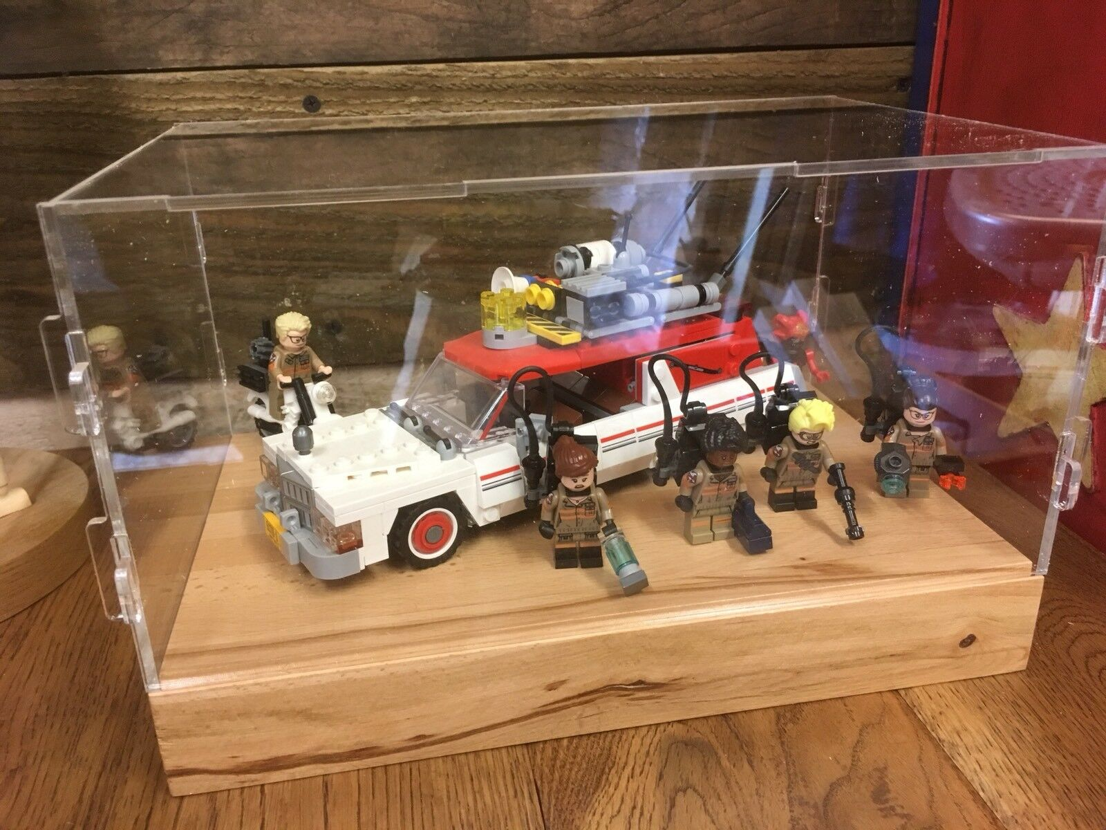 Deluxe Hardwood & Clear Acrylic Display Case for LEGO Ghostbusters 2 Echto 1