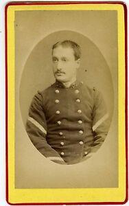 PHOTO-CDV-AUG-Pittier-Bonneville-Haute-Savoie-un-militaire-pose-30eme-regiment