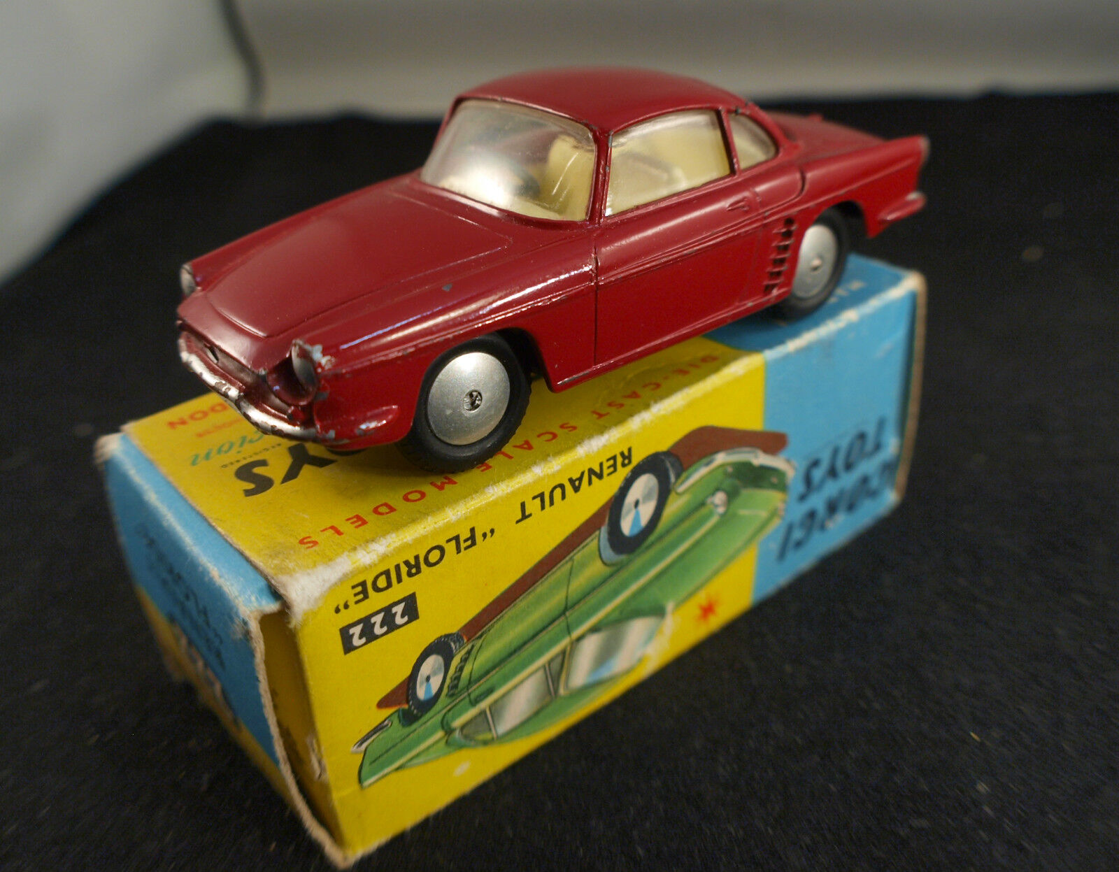 Corgi GB 222 Renault Floride rarement joué en boite 1964  RARE