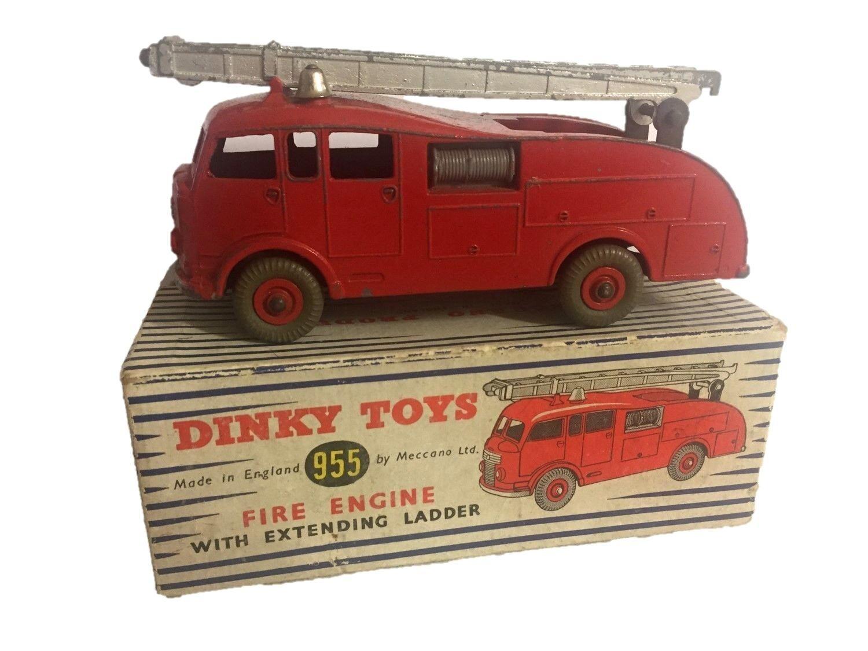 Dinky  555 camion de pompiers avec extending ladder  livraison gratuite et échanges.