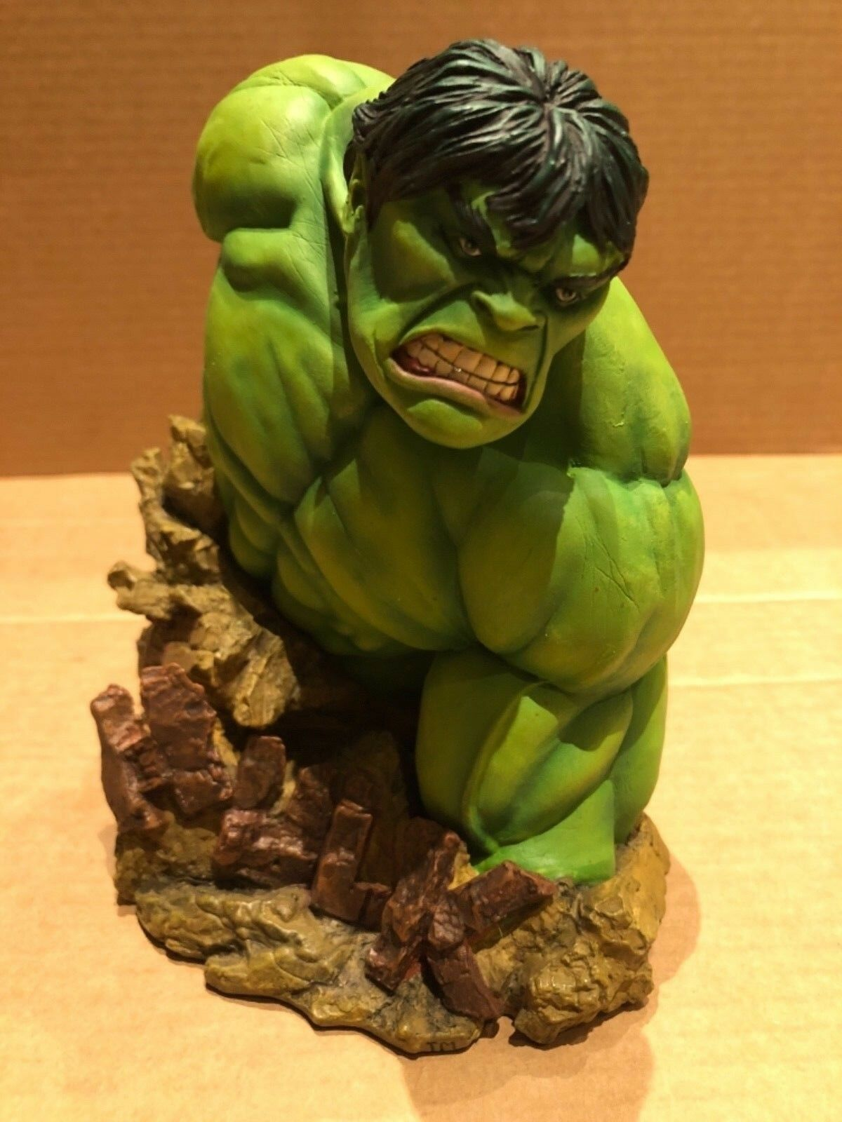 Marvel Universe Rare Collectors Edition Cold Cast Resin Hulk Bust