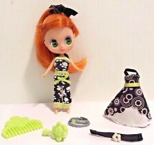 Littlest Pet Shop Lot Blythe Doll B33 Get-Pretty Boutique with Dress/Accessories