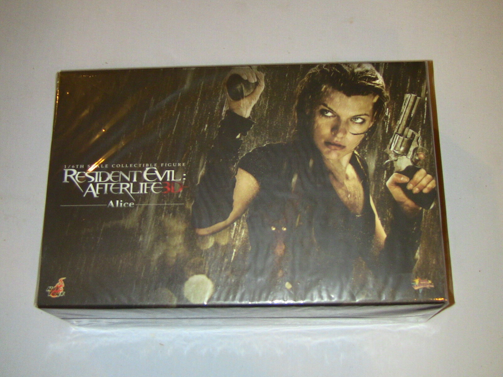 Hot Toys Resident Evil Afterlife Alice 1 6 Scale Action Figure NEW MIMB