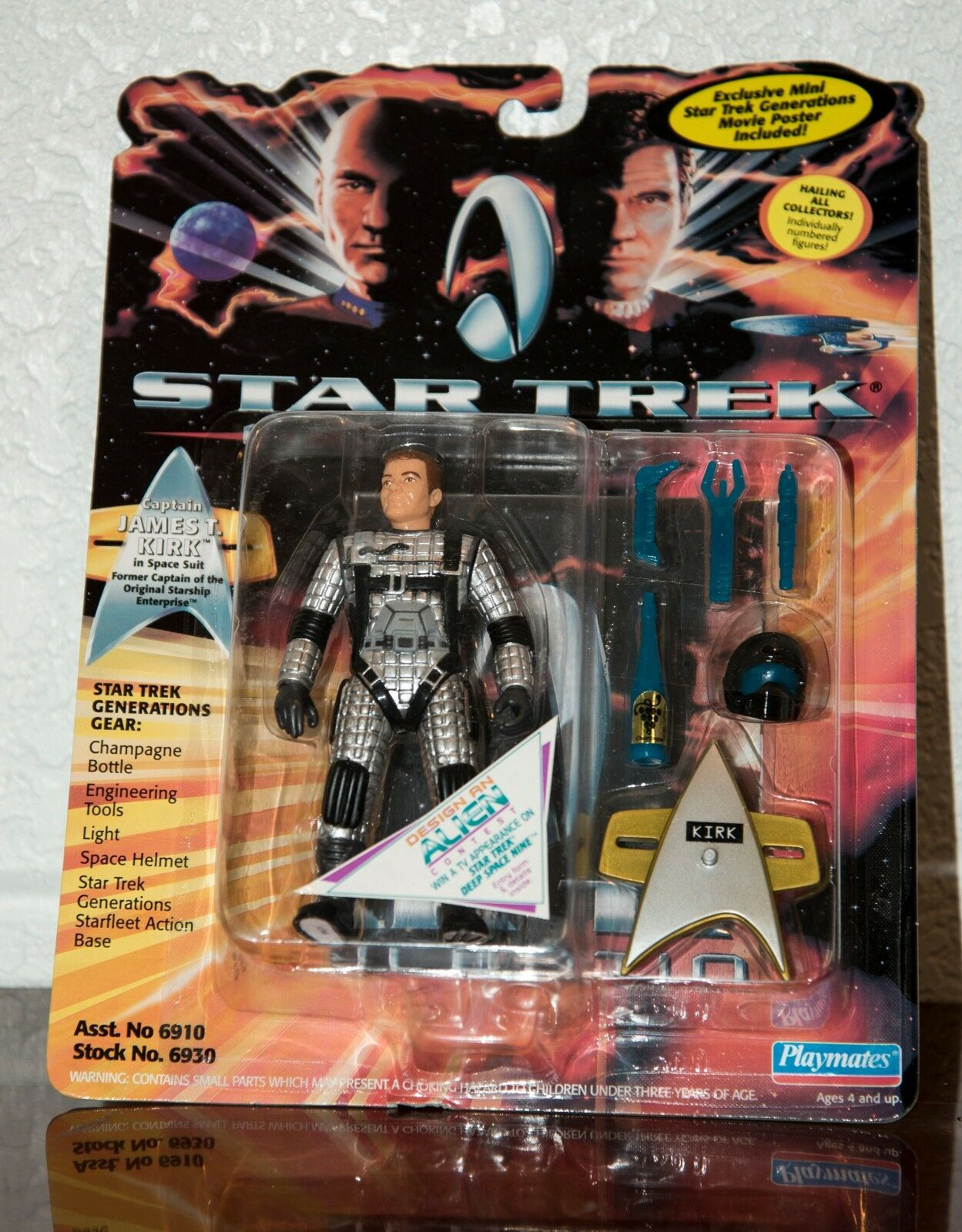1994 STAR TREK GENERATIONS JAMES T. KIRK SPACE SUIT ACTION FIGURE MOC