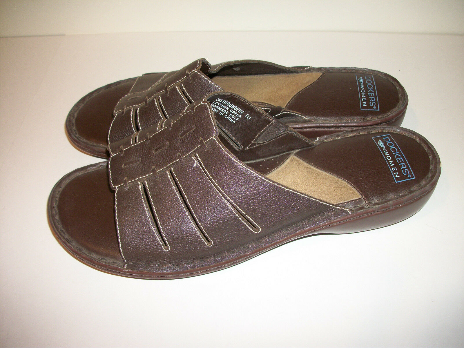 DOCKERS Brown Leather Sandals Slip On Slides Women's VGUC Sz 11 M - VGUC Women's ca02df