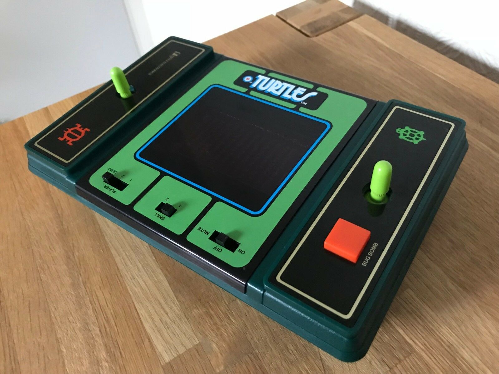Mint Ultra Rare Entex Turtles Vintage 1982 Handheld Electronic Game - No Sound.