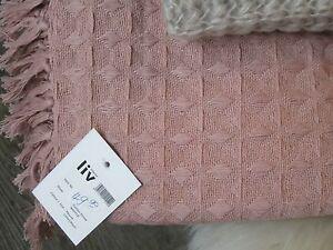 Liv-Interior-Bettueberwurf-Sofadecke-Tagesdecke-Waffeloptik-Daenemark-rosa-Waffle