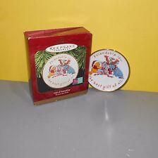 Disney 1997 Hallmark Keepsake Ornament Winnie Pooh Collection Gift Of Friendship