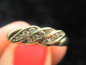 LOVELY 9CT YELLOW GOLD DIAMOND RING SIZE P - Rugeley, United Kingdom - LOVELY 9CT YELLOW GOLD DIAMOND RING SIZE P - Rugeley, United Kingdom