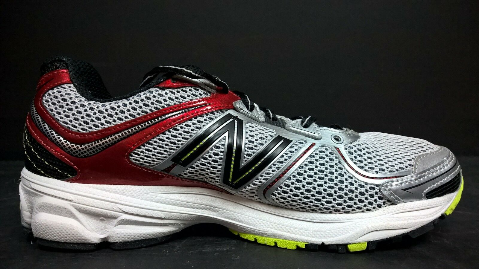 New Balance Men's Size 7 Running Shoes, M880SR2, Gray Red