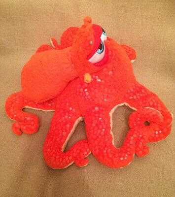 HANK OCTOPUS PLUSH TOY BNWT DISNEYSTORE AUTHENTIC FINDING DORY