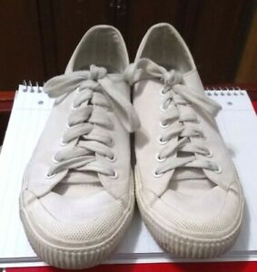 mossimo supply women's size 8 white canvas sneakers