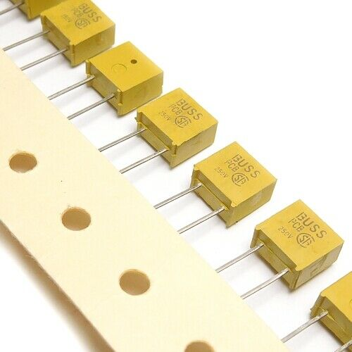 PCB3BK Fuse 3A 250V F3.0A THT 20pcs