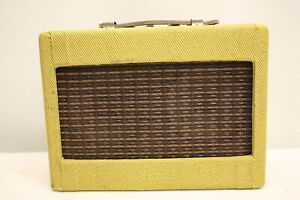 FENDER-MINI-TWIN-AMP-GUITAR-AMPLIFIER