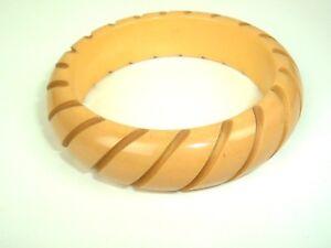 Vintage-Carved-Striped-Butterscotch-Bakelite-Bangle-Bracelet-Tested