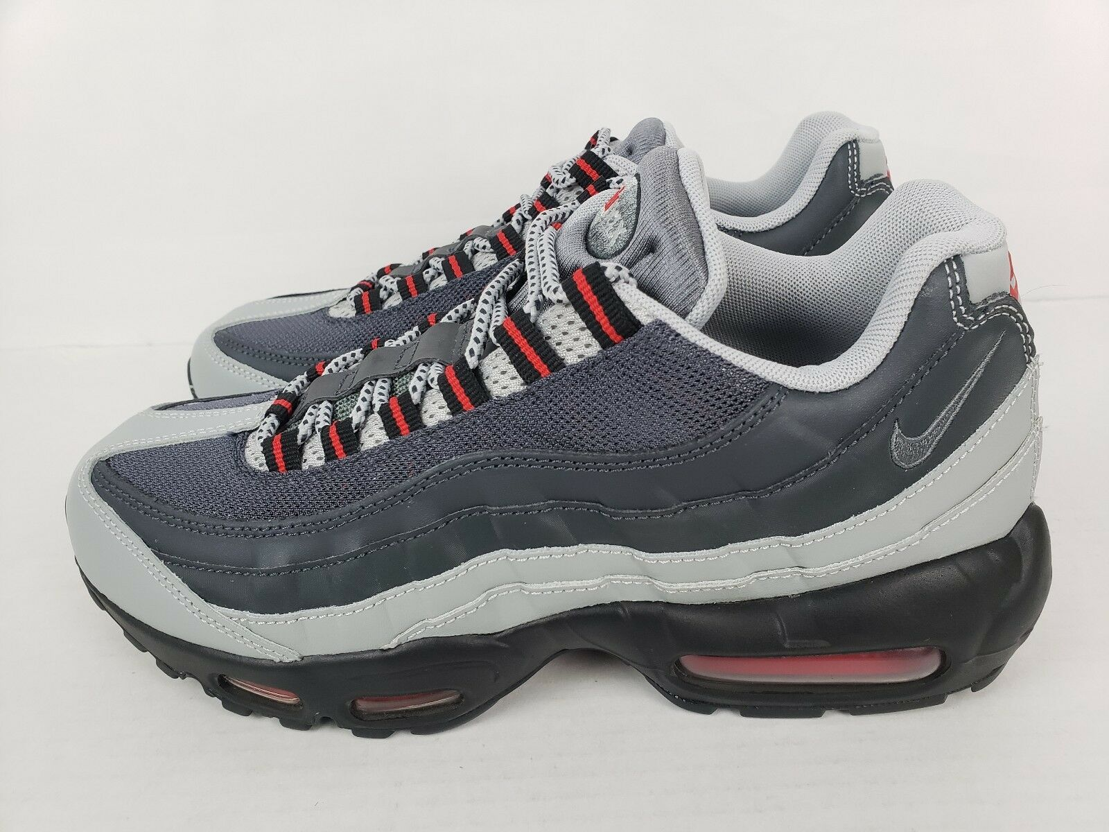 Nike Air Max 95 Essential Silver Grey Anthracite Red 749766-006 Size 8.5