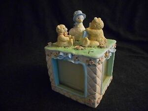 Vintage-1992-Terragrafics-childrens-babies-4-sided-cube-picture-frame-animal-top