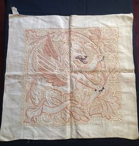 RARE-ANTIQUE-CHINESE-GUARDIAN-LION-HAND-EMBROIDERED-LINEN-SQUARE