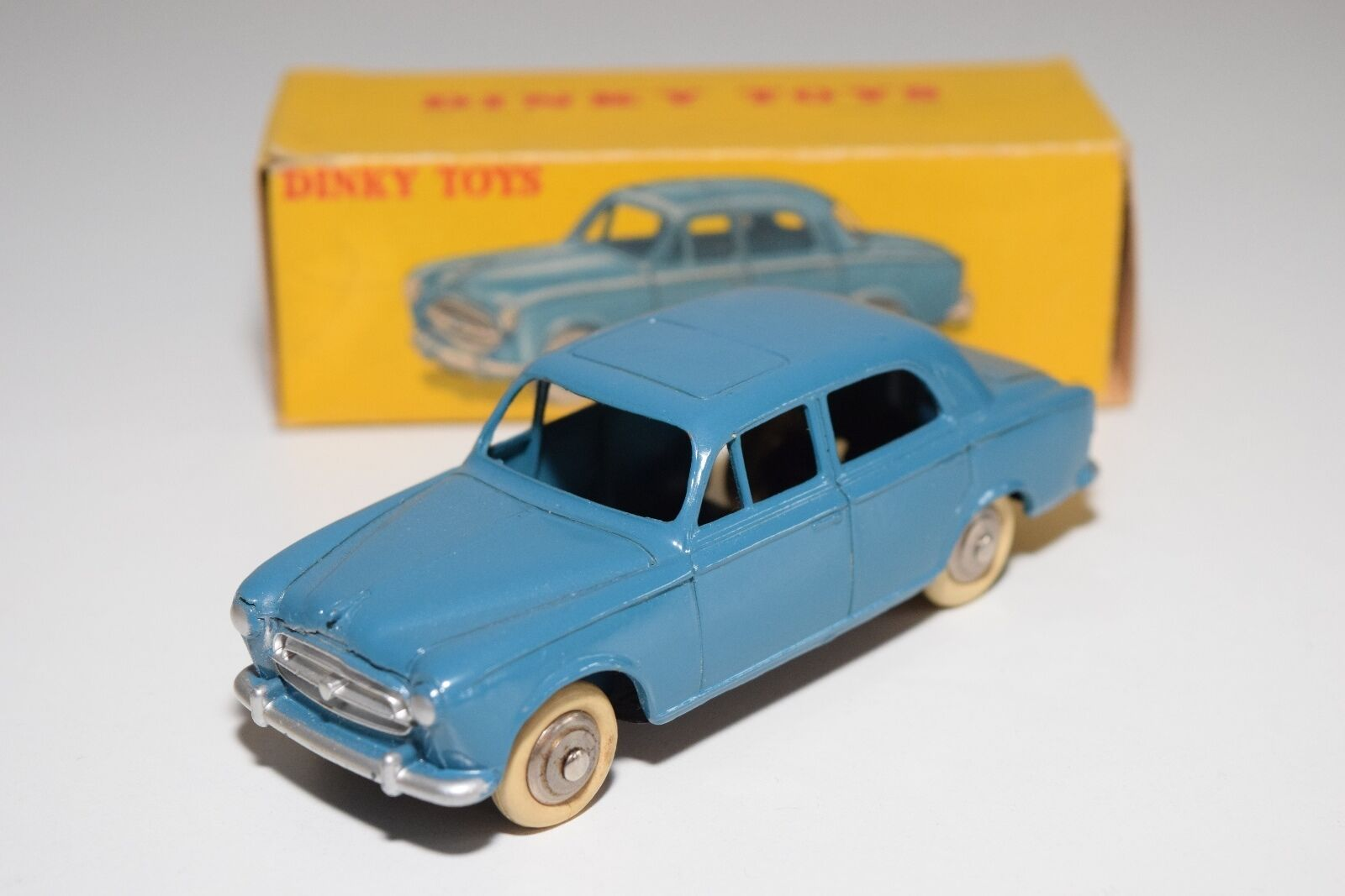 \\ DINKY TOYS 24B 24 B PEUGEOT 403 BERLINE Blau VERY NEAR MINT BOXED