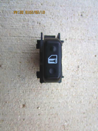 02-06 TOYOTA CAMRY FRONT PASSENGER RIGHT SIDE DOOR LOCK SWITCH