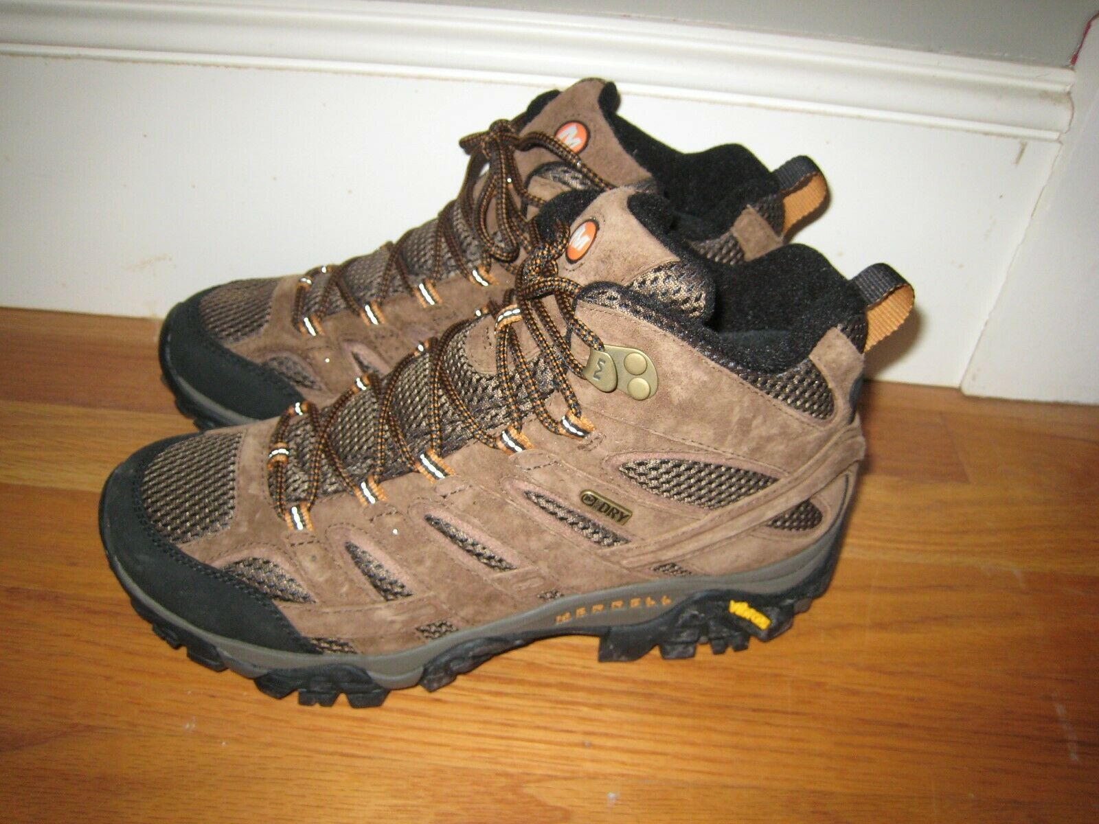 Merrell Moab 2 MID, caminante impermeable, 9 yardas, nuevo.