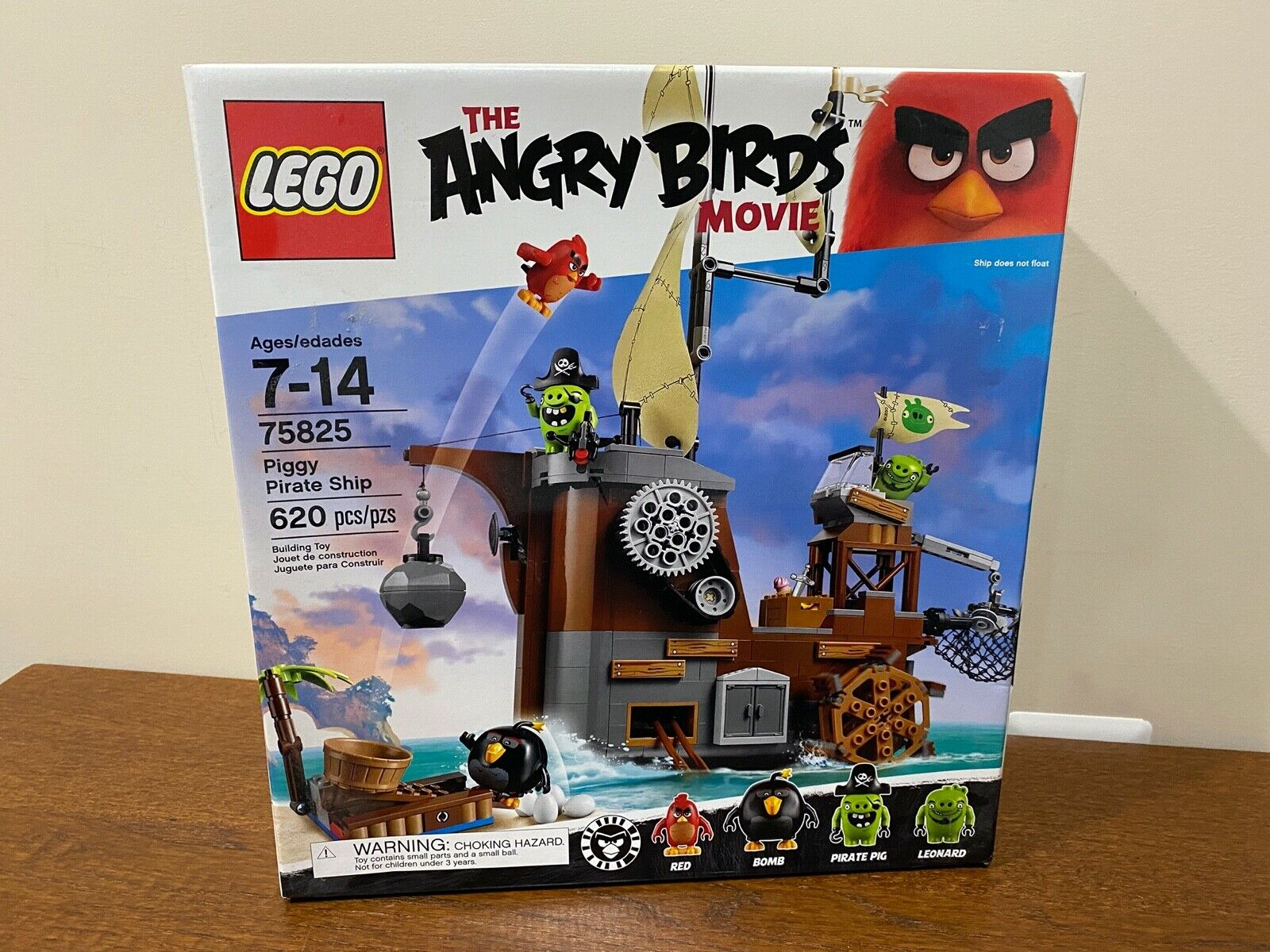 NEW in factory sealed box Piggy Pirate Ship set 75825 LEGO Angry Birds Movie